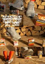 Schachteln_unter_Nike_air_max